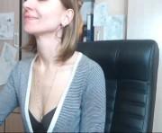 Lucky Girl=)'s female webcam room