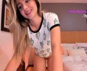 newmollybrooke's female webcam room